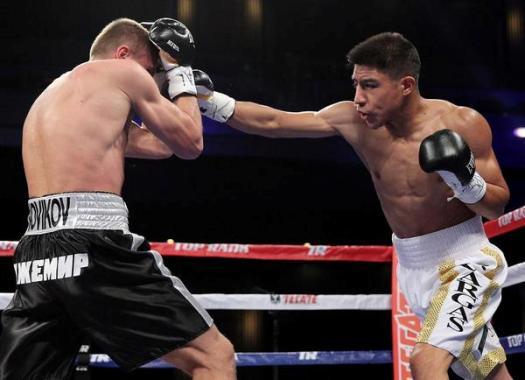 Photo of Jessie Vargas vence por puntos a Anton Novikok