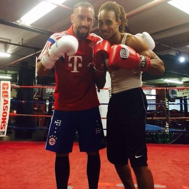 Photo of El futbolista Ribery practicando Boxeo en Estados Unidos