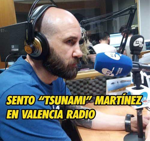 Photo of Sento «Tsunami» Martínez en la radio con Ramón Palomar
