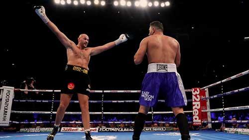 Photo of Tyson Fury  vuelve al ring con una victoria absurda