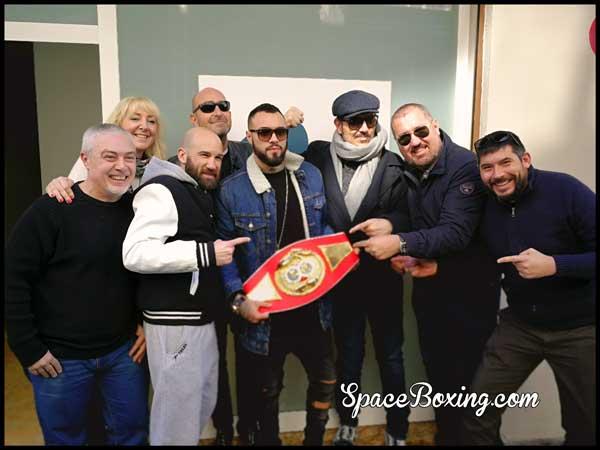 Photo of Jorge Fortea en Valencia Radio tras ganar el título Intercontinental IBF