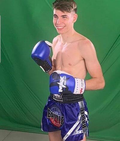 """Photo of Xavi González un joven """"nak muay"""" en Tailandia"""