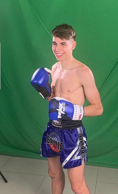 Photo of Xavi González un joven «nak muay» en Tailandia