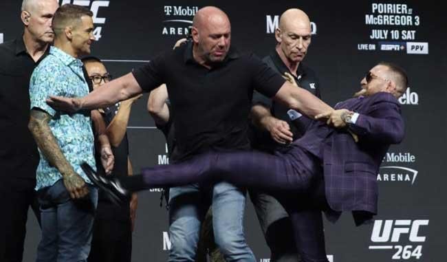 Photo of Vídeo de UFC 264: Conor McGregor lanza una patada a Dustin Poirier durante un acalorado enfrentamiento